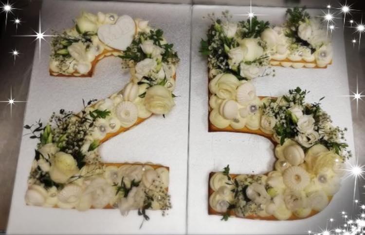 25 ANNI CAKE DESIGN